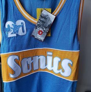 Lot of 3 basketball jersey